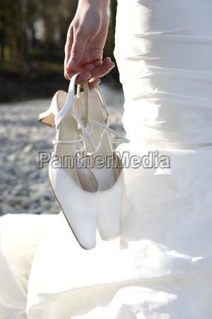 zapatos de novia sucios