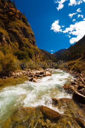 rio alpino himalayas g318 carretera tibet