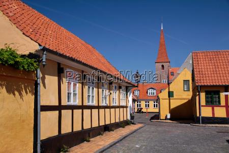 casas dinamarca pequenya ciudad camino