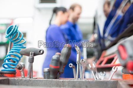 herramientas en un taller de reparacion