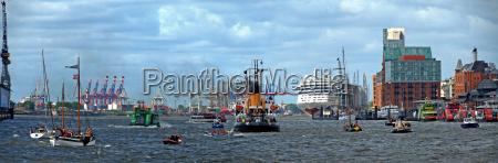 trafico maritimo en el puerto de