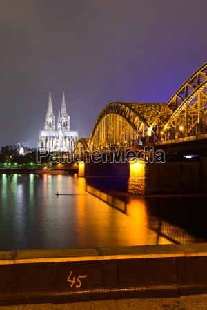 colonia catedral puente rin signo marca
