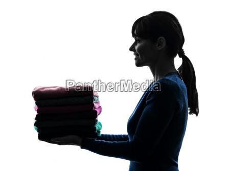 tareas, domésticas, de, mucama, mujer, sosteniendo - 10112923