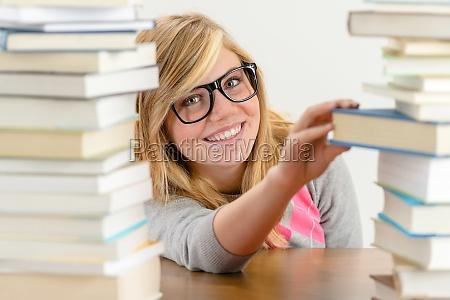 mujer risilla sonrisas hermoso bueno educacion