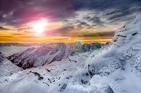 vista panoramica de las montanyas de