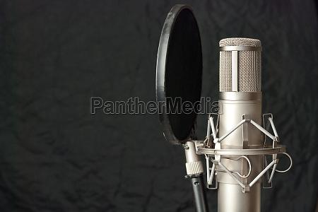 estudio microfono grabacion radiodifusion detalles taller