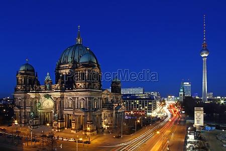 medio ambiente catedral berlin capital ciudad