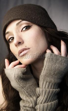 mujer color primer plano sombrero retrato