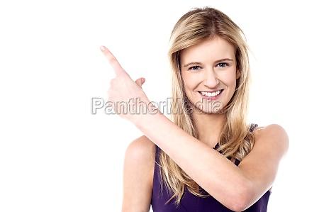 mujer risilla sonrisas hasta hermoso bueno