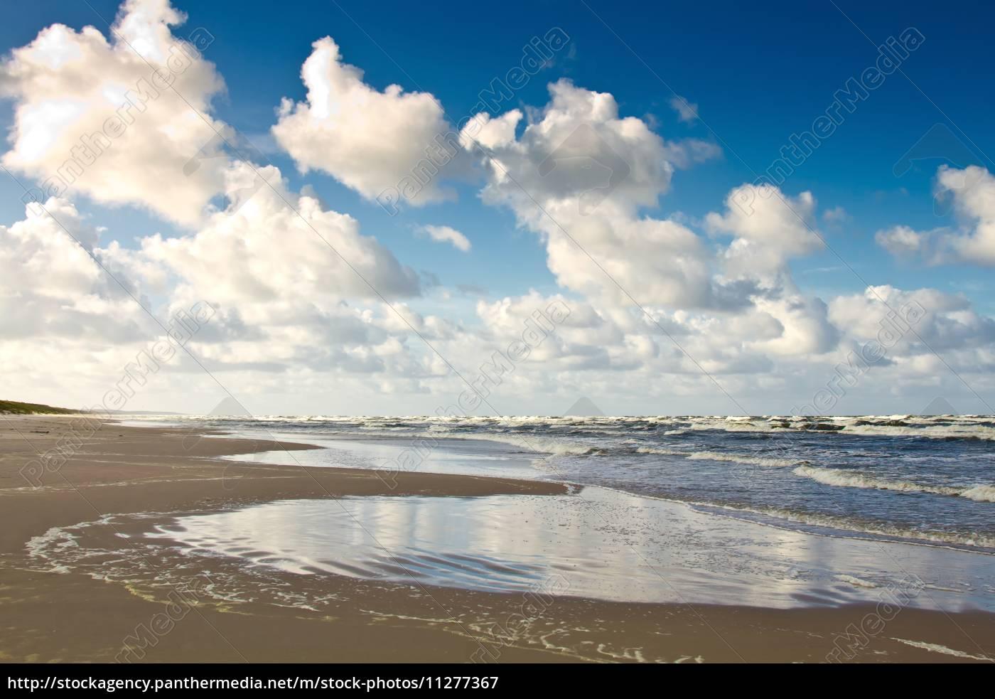 playa, de, arena, en, el, mar - 11277367
