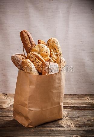 surtido de productos de panaderia