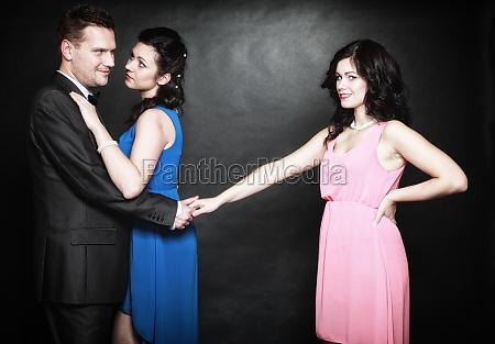 concepto de la infidelidad conyugal triangulo