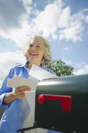 mujer, risilla, sonrisas, femenino, nube, ee.uu. - 11699898