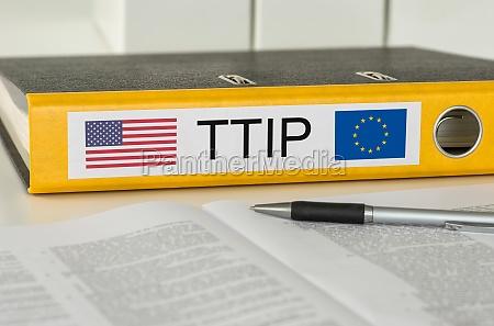 file folders labeled ttip