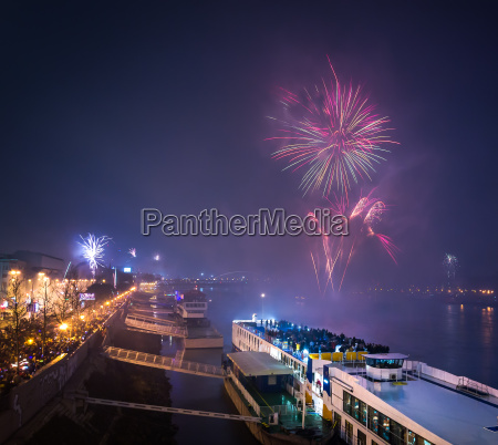 ciudad celebrar celebra fiesta celebracion barco