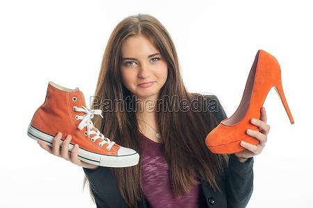 zapatillas de deporte o tacones altos