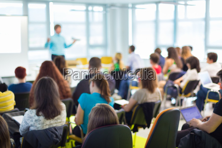 estudio personas gente hombre seminario presentacion