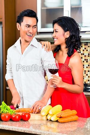 pareja de alimentos asiatico que se