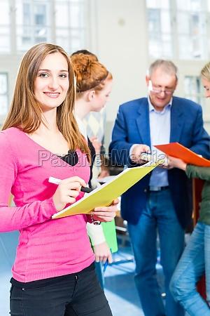 estudio los estudiantes universidad institucion educacional