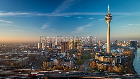 salida del sol, la torre de televisión, hipermetropía, signo, marca, alemania - 12096346