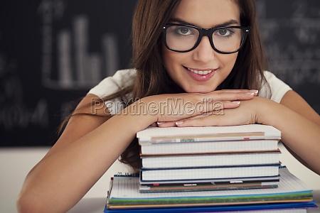 hermosa, estudiante, femenina, con, libros, - 12113696