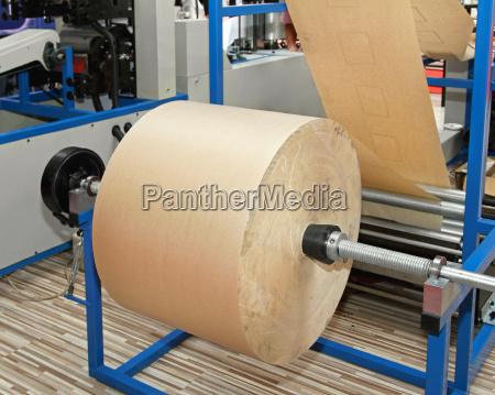 presion automata maquina papel reciclado imprimir