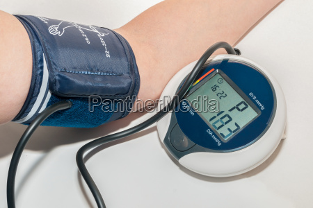 mida la presion arterial