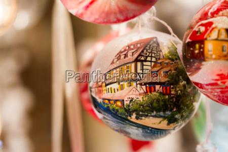 adorno de navidad con la casa