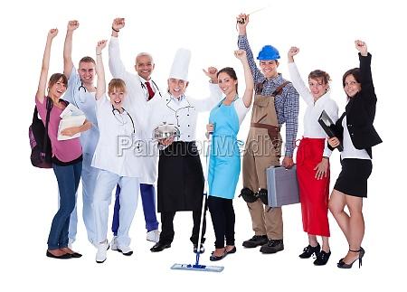 grupo de personas que representan diversas