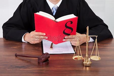 ley abogado juez divorcio advokat a