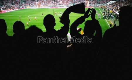los aficionados al futbol