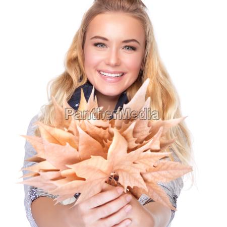risilla sonrisas liberado femenino hojas aislado