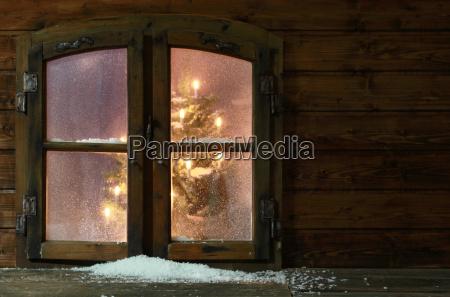 nieve en pequenyo ventana vintage pane