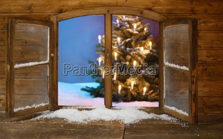 iluminado arbol de navidad vista desde