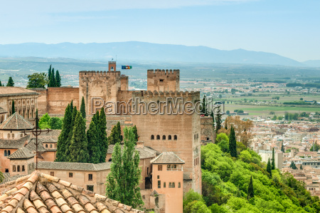scene of old fortress in alhambra