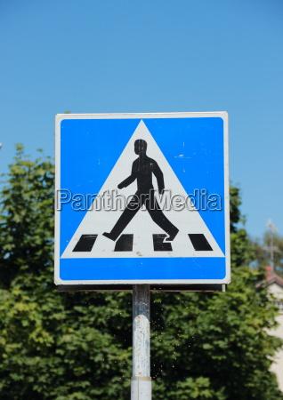 señal, peatonal, con, cielo, azul, y - 12884464