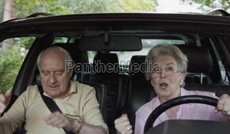 mujer peligro color trafico jugueton coche