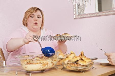 mujer personas gente hombre mujeres comida