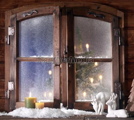 fiesta invierno ventana madera luces ornamento