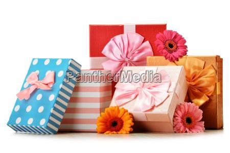 cajas de regalo aislados en blanco