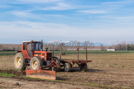 montanyas agricultura campo granja carro pala