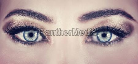 hermosos ojos maquillaje