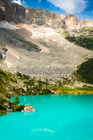 alpin lake sorapis italiano dolomitas impresionante