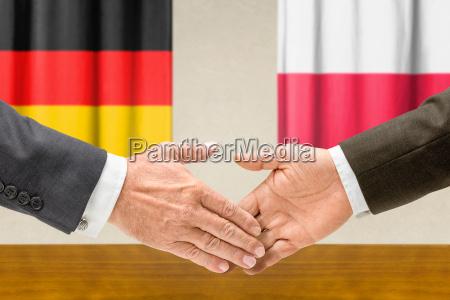 representantes de alemania y polonia se