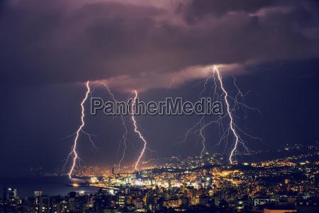 noche relampago tempestuoso cremallera tiempo libano