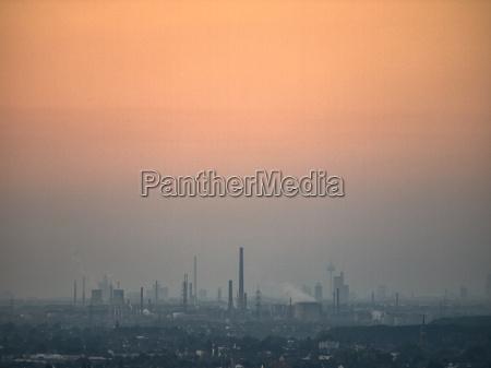smog sobre la llanura del rin