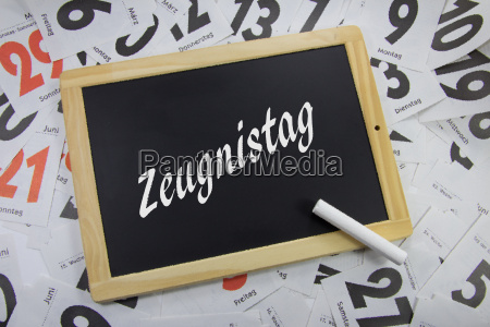 zeugnistag written on a blackboard