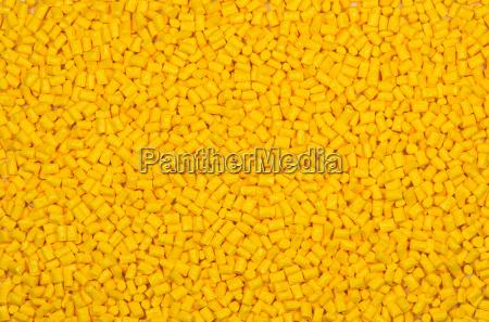 granulos plasticos amarillos