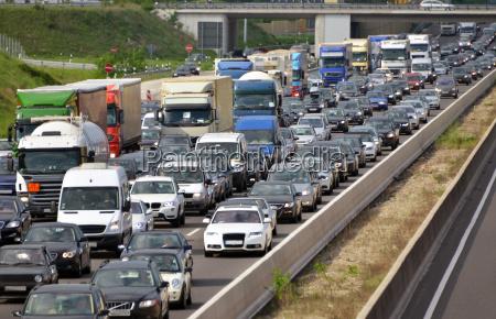 atasco de trafico de la carretera