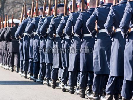 soldados alemanes del regimiento de guardia